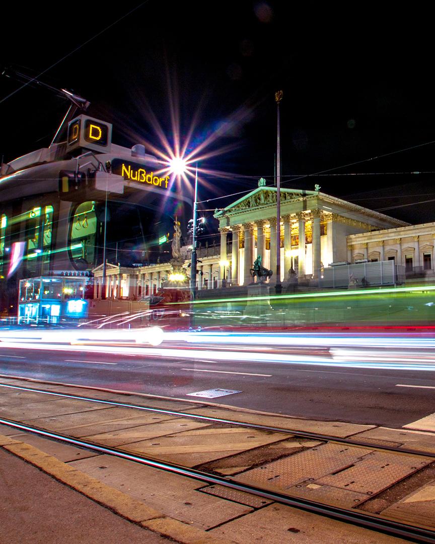 Straßenbahn-Rathaus